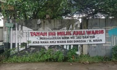 Ngaku Ahli Waris Tanah, Edi Nekat Blokir Jalan di Cipondoh