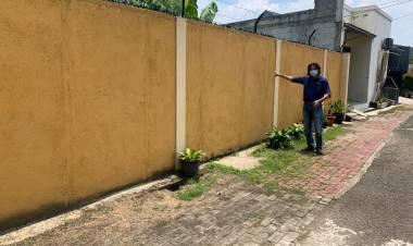 Warga Serua Ciputat Ngeluh, Mau Bangun Rumah Ditanah Sendiri, Akses Jalan Ditembok Pak RT