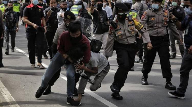 Ratusan Pendemo Aksi 1812 Ditangkap Polisi : Membawa Senjata Tajam, Bertato dan Membawa Ganja