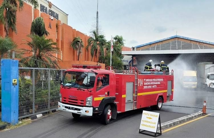 Kasus Covid-19 Kembali Melonjak, Kawasan Terminal Kargo Bandara Soetta Didisinfeksi Serentak
